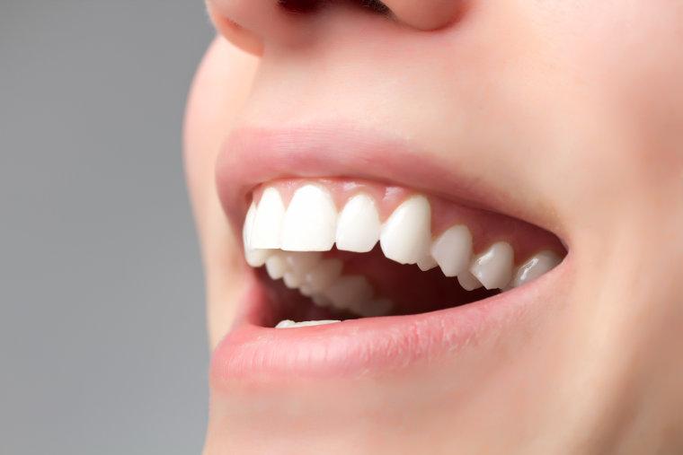 Ein strahlendes Lächeln für Jedermann, Dank Ihrer Zahnarztpraxis am Flughafen München